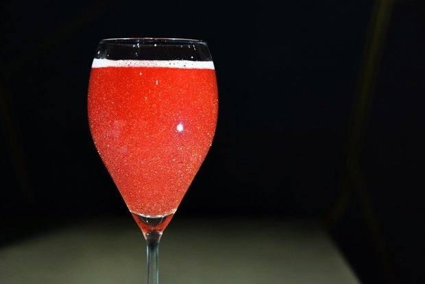 Коктейли на основе шампанского — 5 классических простых рецептов
